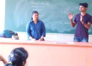 Alumni interacting with FE-Students