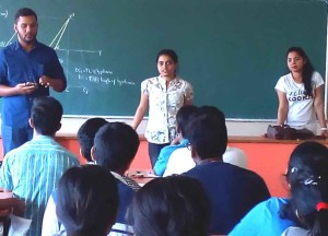 Alumni interacting with FE Students